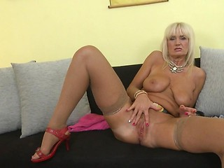 Lady sonia free pictures
