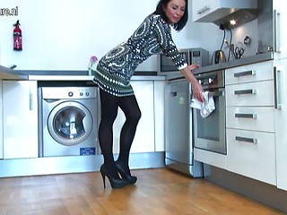 Bbw mature kitchen xxx
